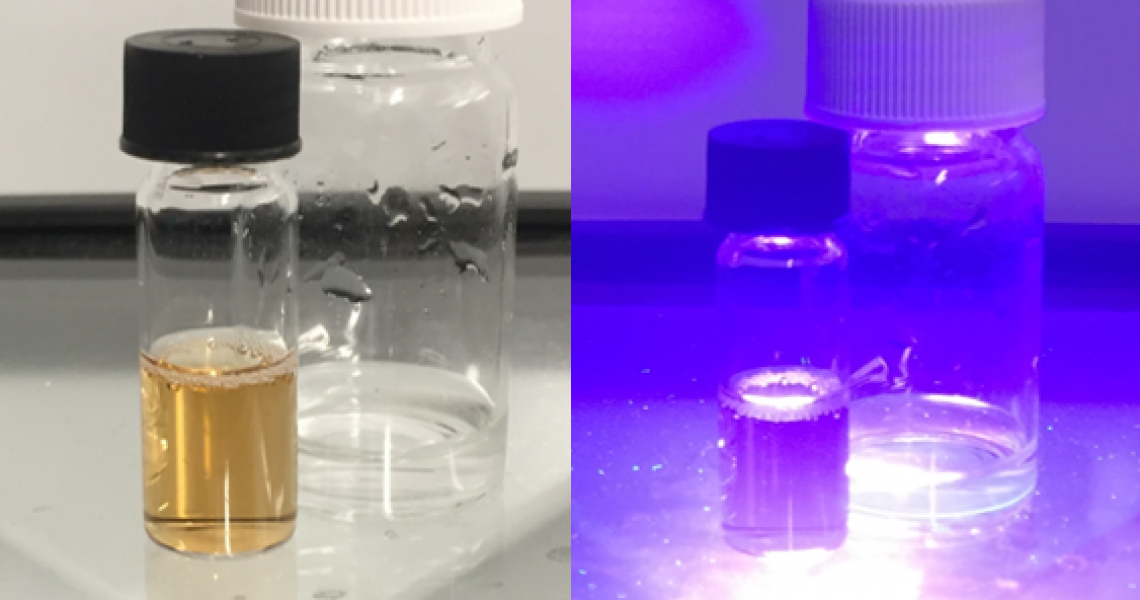 vials-on-lightsourse